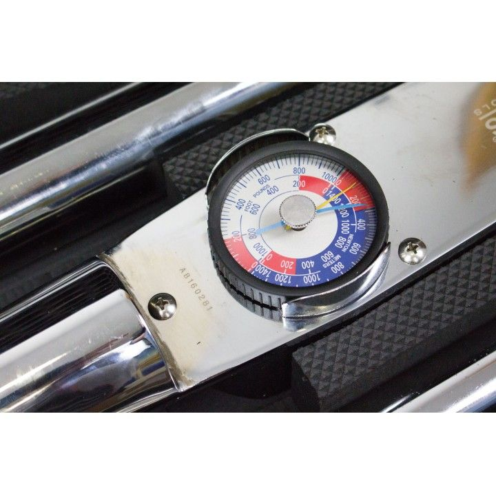 DIAL TORQUE WRENCH 1
